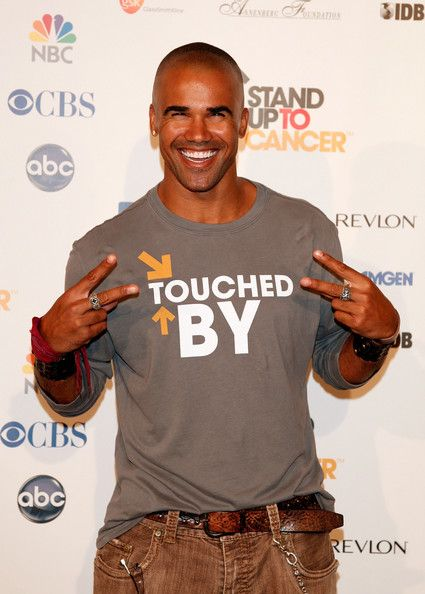 77692a3d049 Shemar Moore Photos - Actor Shemar Moore arrives at Stand Up For Cancer at  The Kodak Theatre on September 5