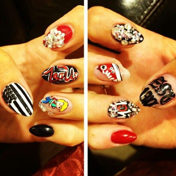 Mgk(machine gun Kelly) fan nails super cute | Nails | Pinterest ...