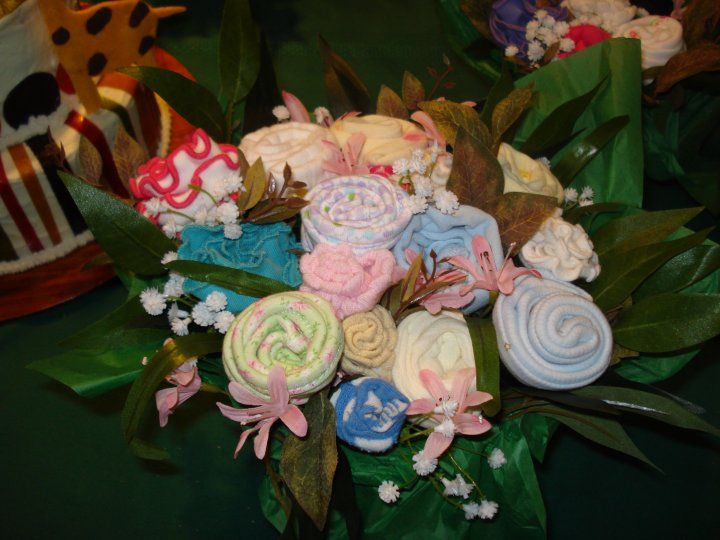sock bouquet for baby shower! so ingenious!