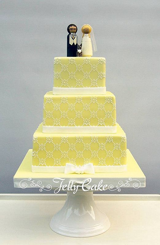 Yellow Trellis Wedding Cake | A pretty pale yellow cake, dec ...