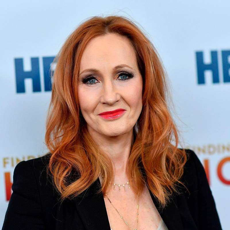 Harry Potter Autorin J K Rowling Ihr Neues Buch Gibt Es Kostenlos Bravo Autor Neue Bucher Harry Potter