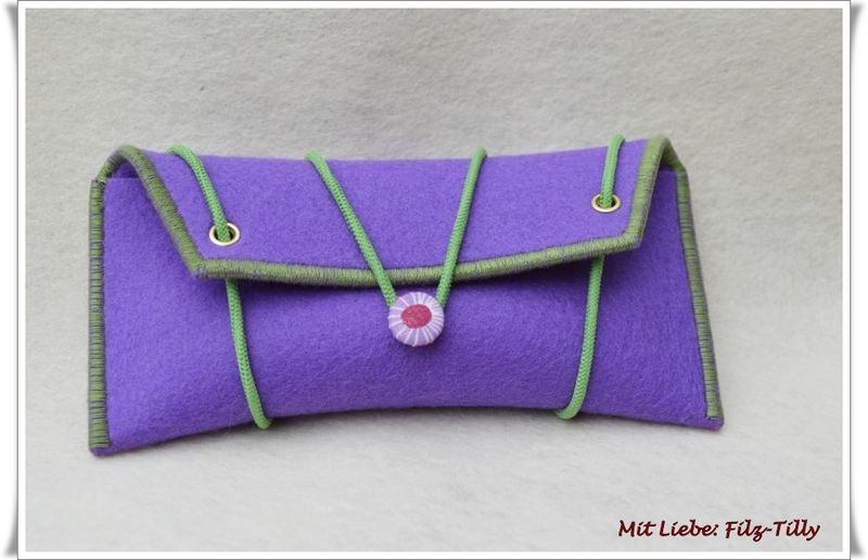 Taschenorganizer - Filz - Etui für allerlei Frauenkram / Brille, TaTü - ein Designerstück von Filz-Tilly bei DaWanda