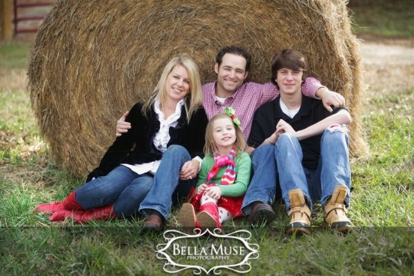 Family portrait, #portrait #outdoors #natural © Bella Muse | www.Bella-Muse.com