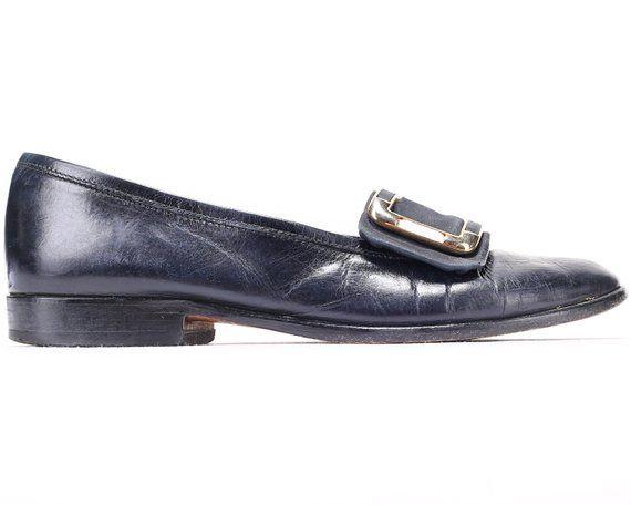 8f14d489860 US women 7.5 Buckle Loafers 80s Low Heel Slip On Leather Wide Fit Shoes  Vintage Navy Blue Footwear W