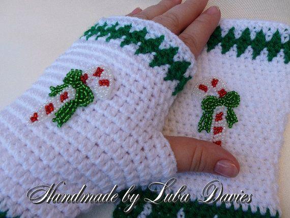 Instant Download Crochet PDF Pattern - CHRISTMAS fingerless mittens
