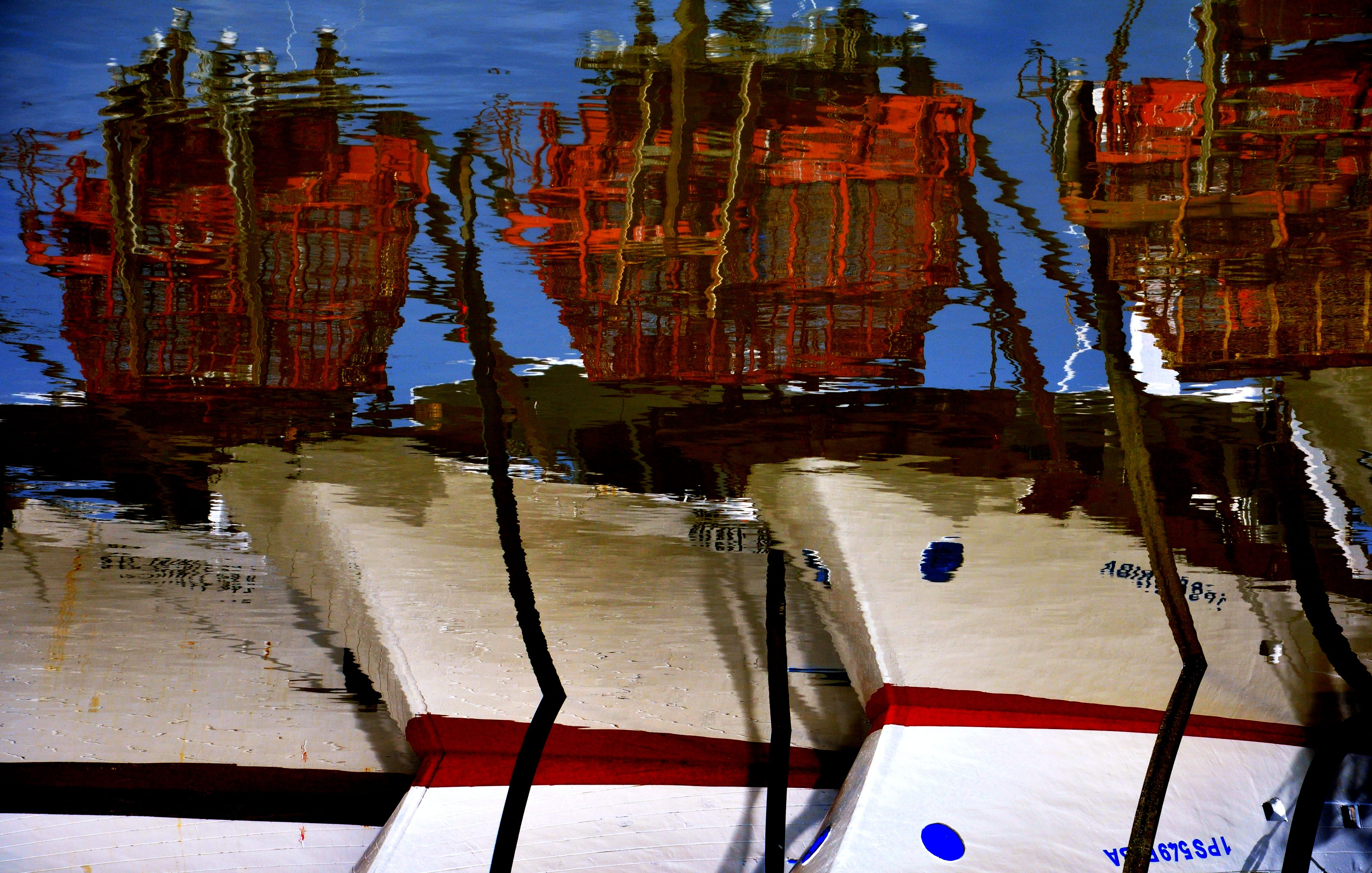 Riflessi di barche