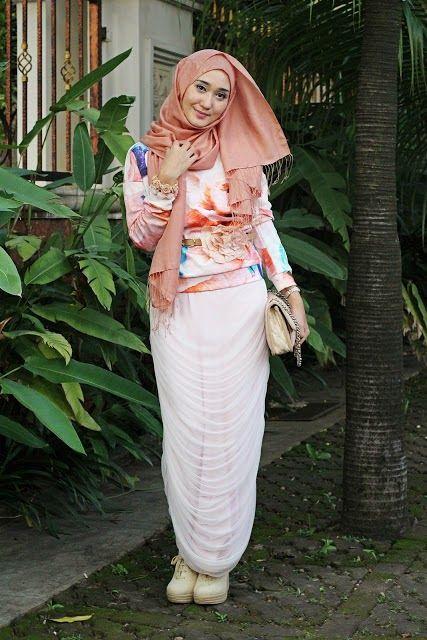 Koleksi Busana Muslim Casual dan Trendy Dian Ala Pelangi Terbaru ... 4918f41a1c