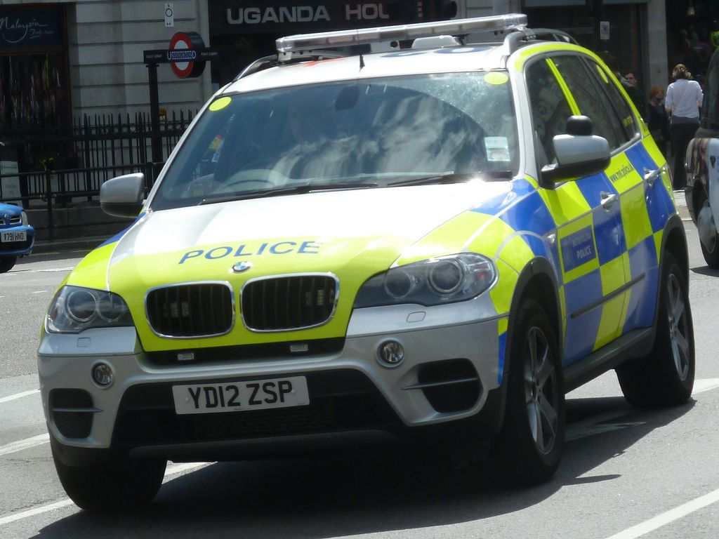 Bmw 5 series touring police 2013 uk wallpapers and hd images car - British Metropolitan Police Bmw X5 Armed Response Vehicle Yd12 Zsp By Nottsemergency