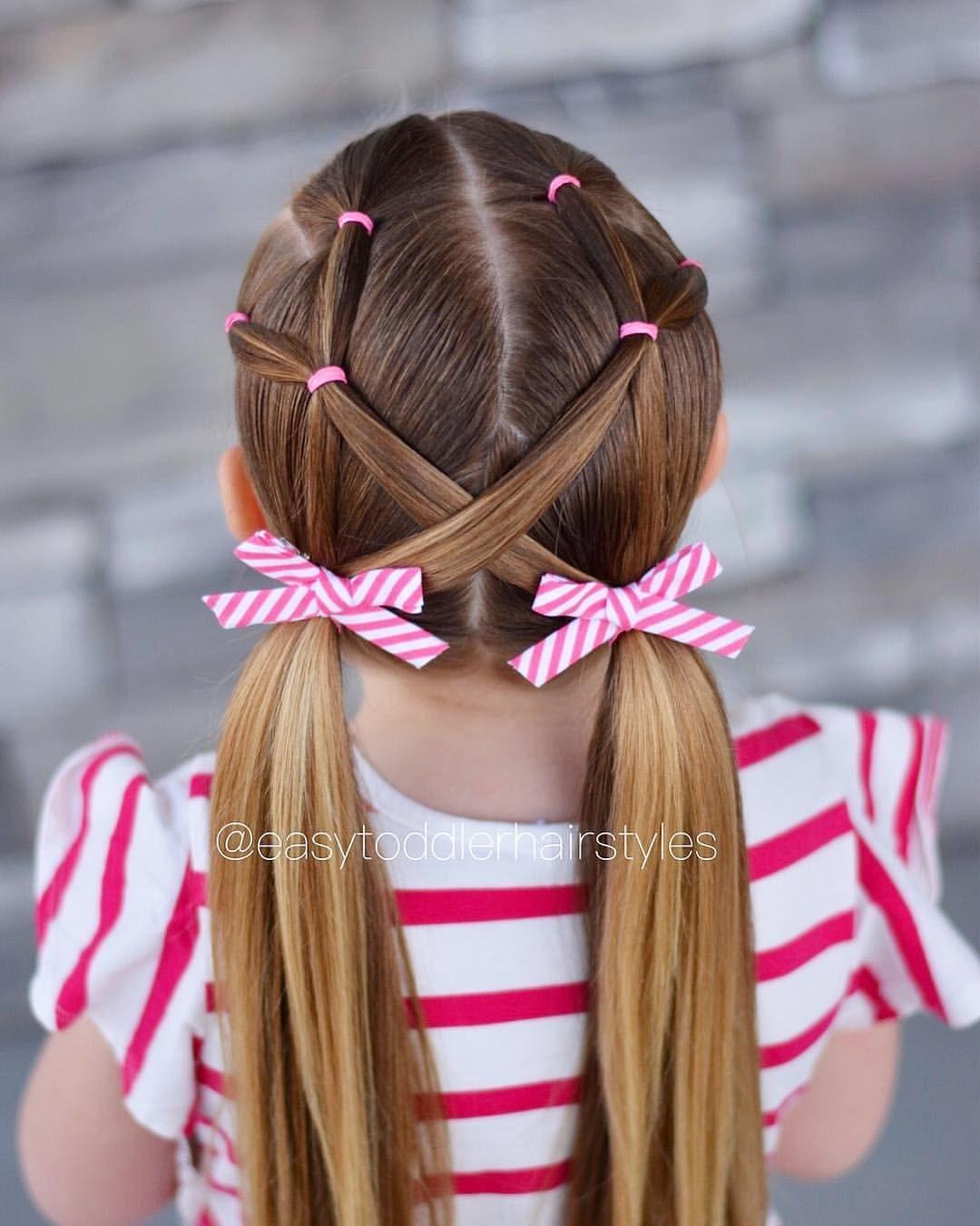 """Tiffany ❤️ Hair For Littles auf Instagram: """"Elastischer 10-minütiger Zopfstil. Es sollte die ganze Woche über in den 50ern sein, was mich wahnsinnig glücklich macht. Wir hatten die letzten 6 so viel Schnee … """""""