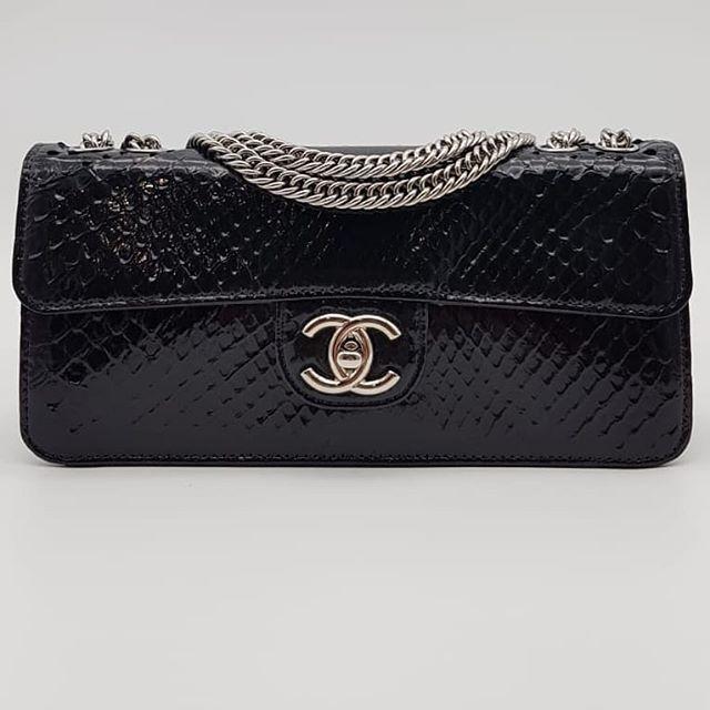 2600 wire. Preloved Chanel Flapbag Black Shiny Python