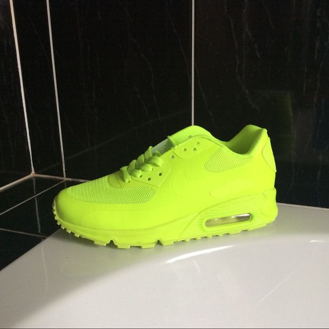 8f13e752df298 BRAND NEW IN BOX DEADSTOCK NIKE AIRMAX HYPERFUSE 90s NEON GREEN GREAT PRICE  - UK SIZE
