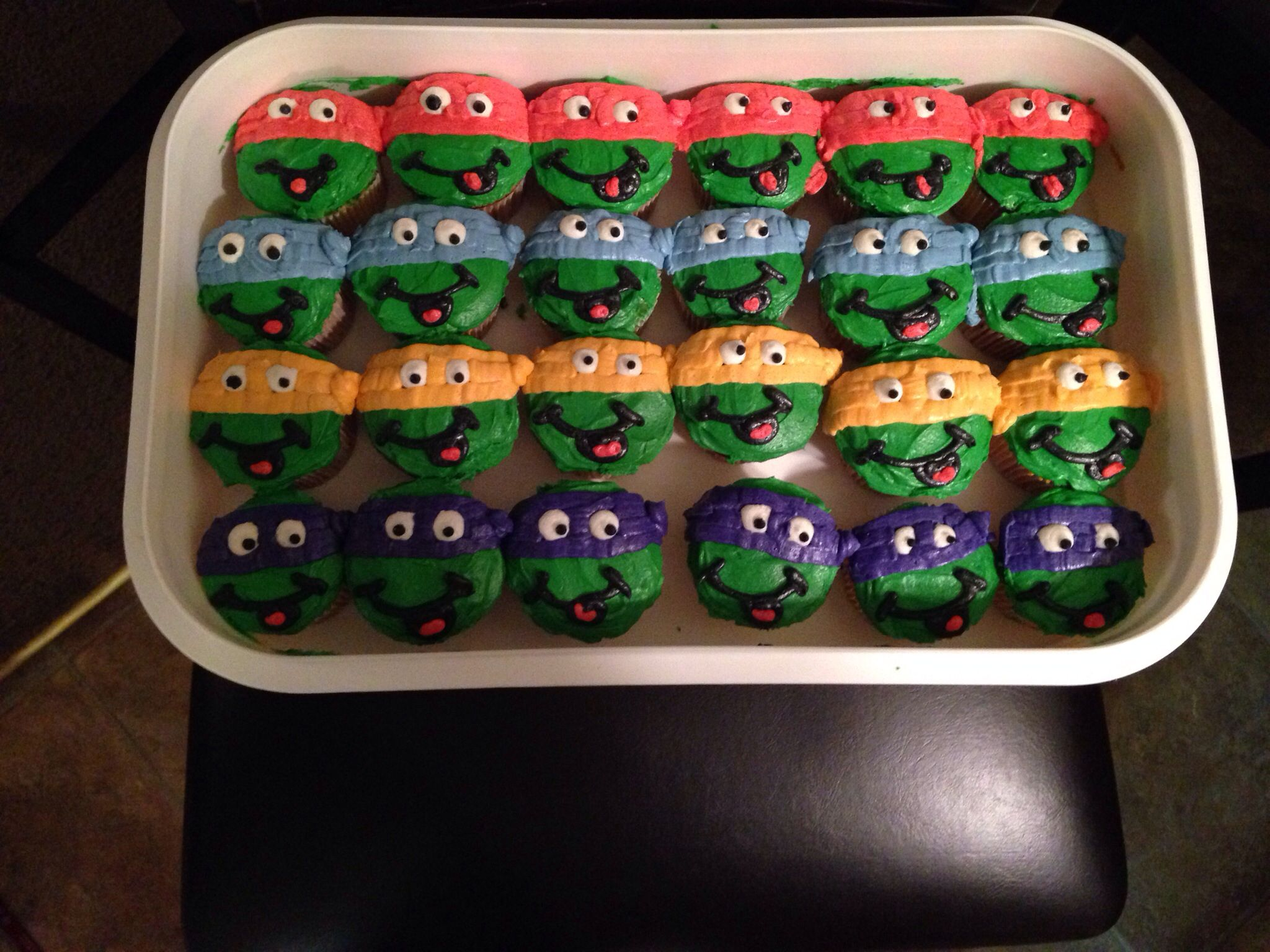 Andrews TMNT cupcakes!!! @Holly Wait