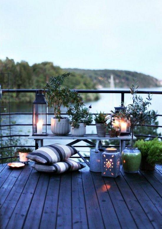 terrasse gestalten mittelmeerstil blau schöner meerblick- laternen ... - Schone Balkon Und Terrasse Gestaltung Akzente
