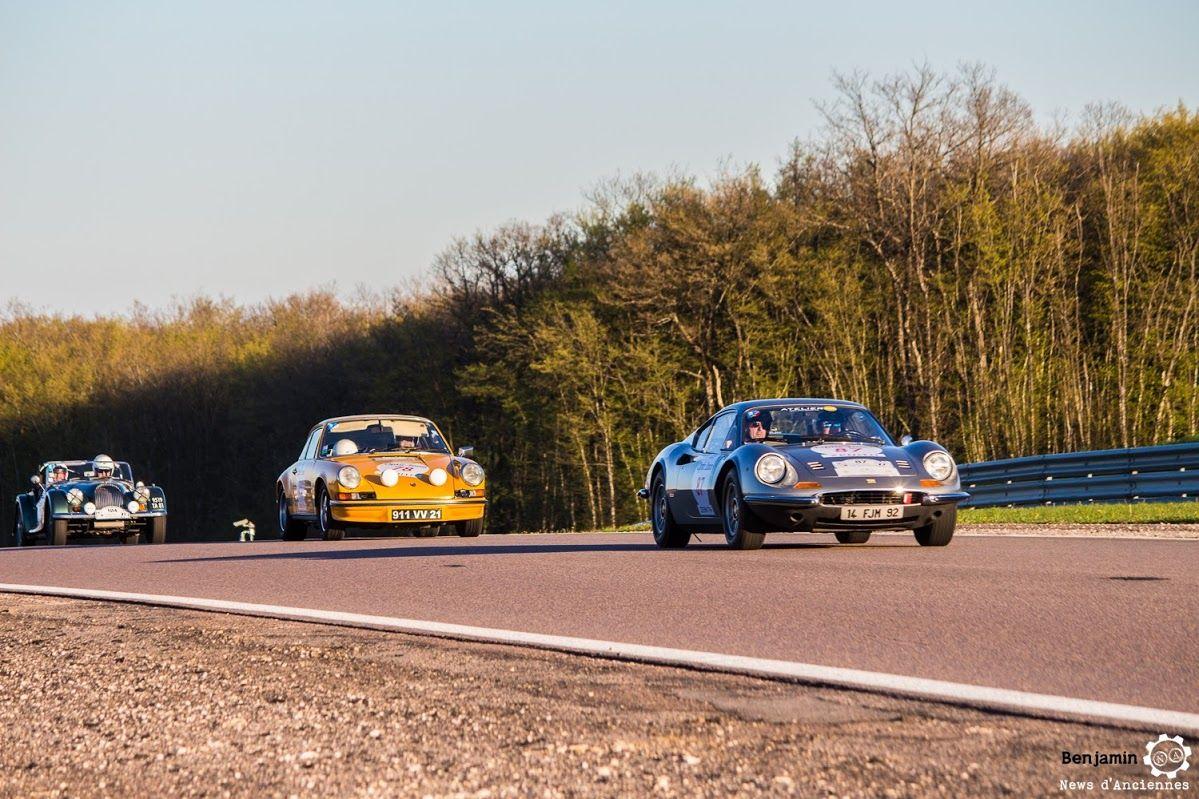 #Ferrari #Porsche et #Morgan sur le #TourAuto2016 à #Dijon_Prenois. Reportage : http://newsdanciennes.com/2016/04/20/tour-auto-2016de-passage-a-dijon-prenois-on-y-etait/ #ClassicCar #VoituresAnciennes #VintageCar #MoteuràSouvenirs