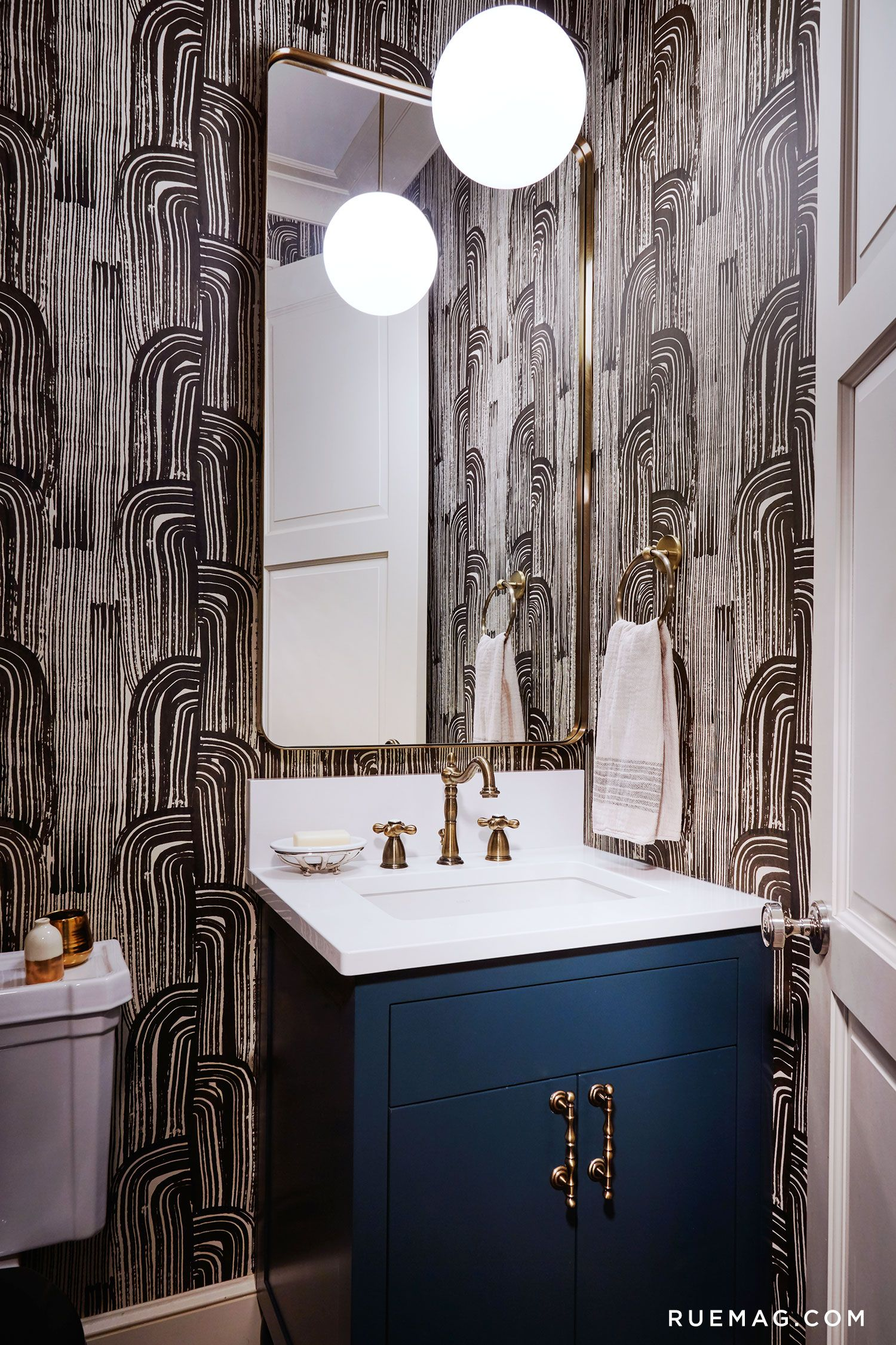 Bathrooms An Eclectic Greystone In Chicago  Rue Featuring Kelly  Wearstler's Crescent Wallpaper
