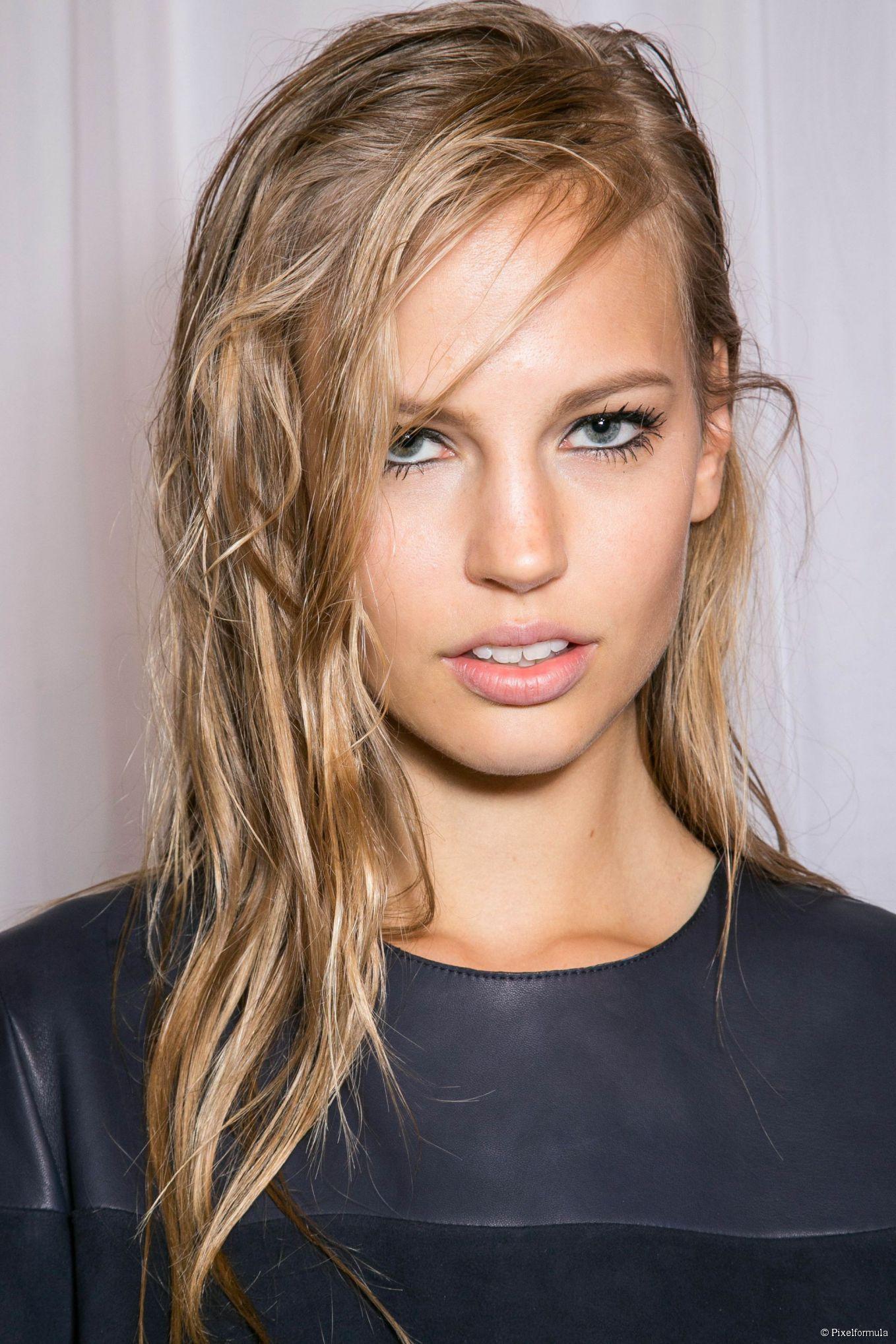 un blond cendr tr s doux beautiful hair pinterest couleur cheveux coiffures et cheveux. Black Bedroom Furniture Sets. Home Design Ideas