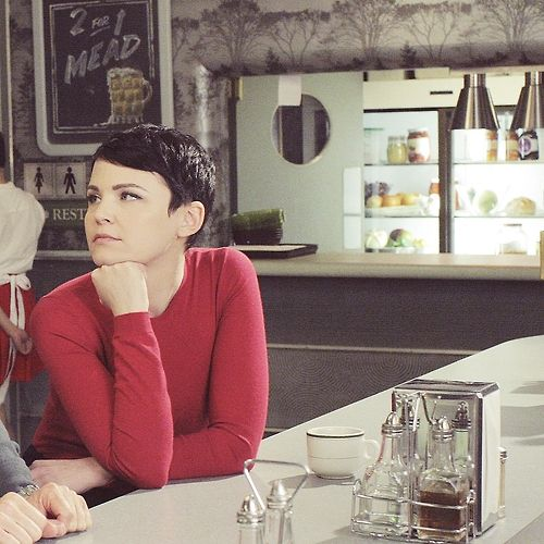 <3<3<3 Ginnifer goodwin. This is making me want to go that short again and dye it back to brown!