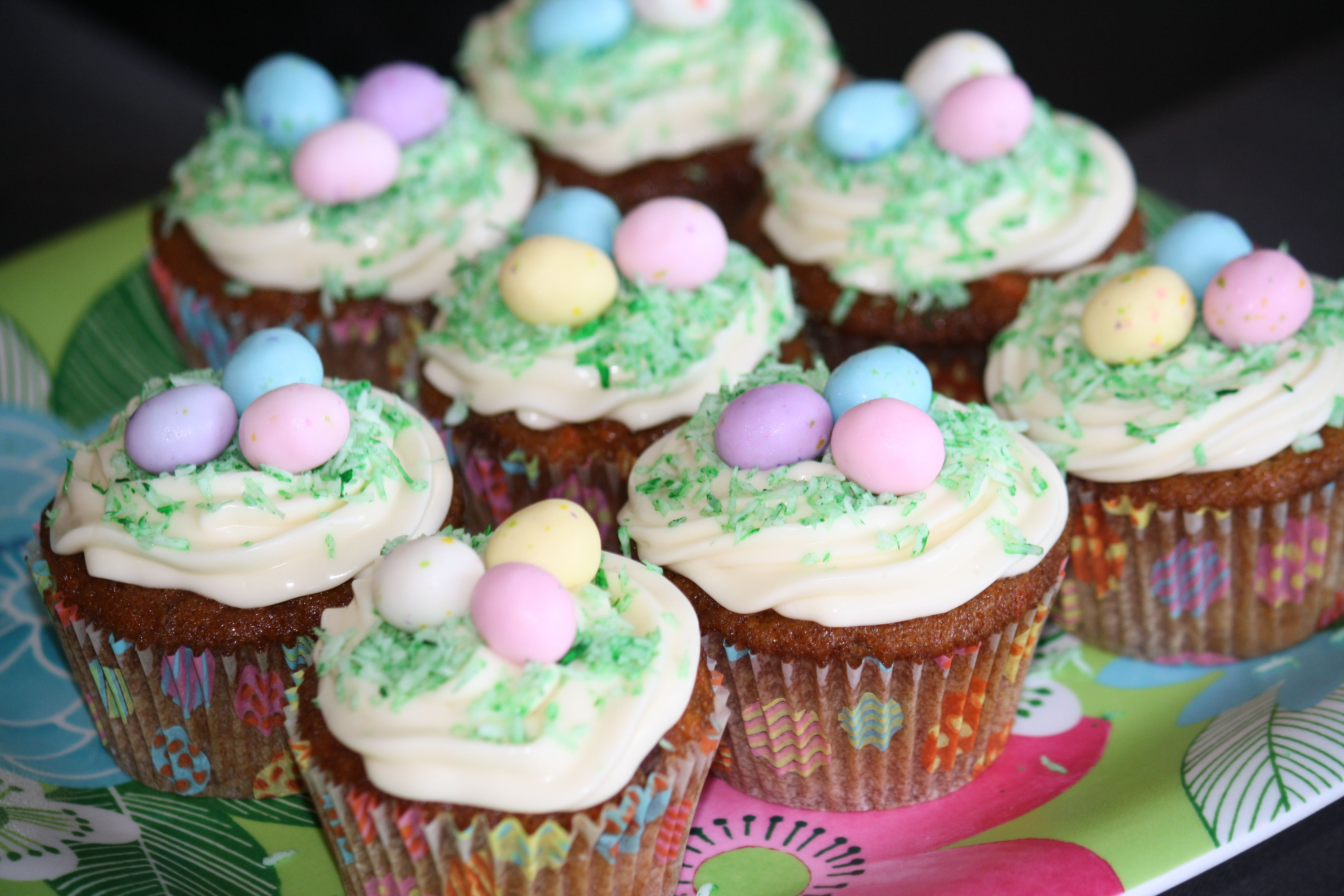Carrot cake cupcakes for easter cupcakes fiesta