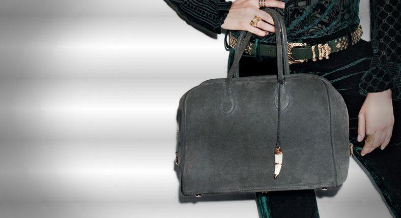 """""""Pierre"""", le sac collector Balmain x Aurélie Bidermann http://www.vogue.fr/vogue-tv/reportages/videos/pierre-le-sac-collector-balmain-x-aurelie-bidermann/2738"""