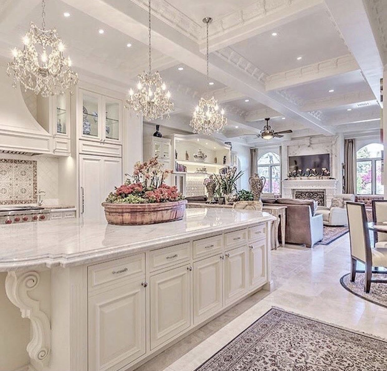 Best Pin By Angela Freeman On Decor Luxury Kitchens Home 400 x 300