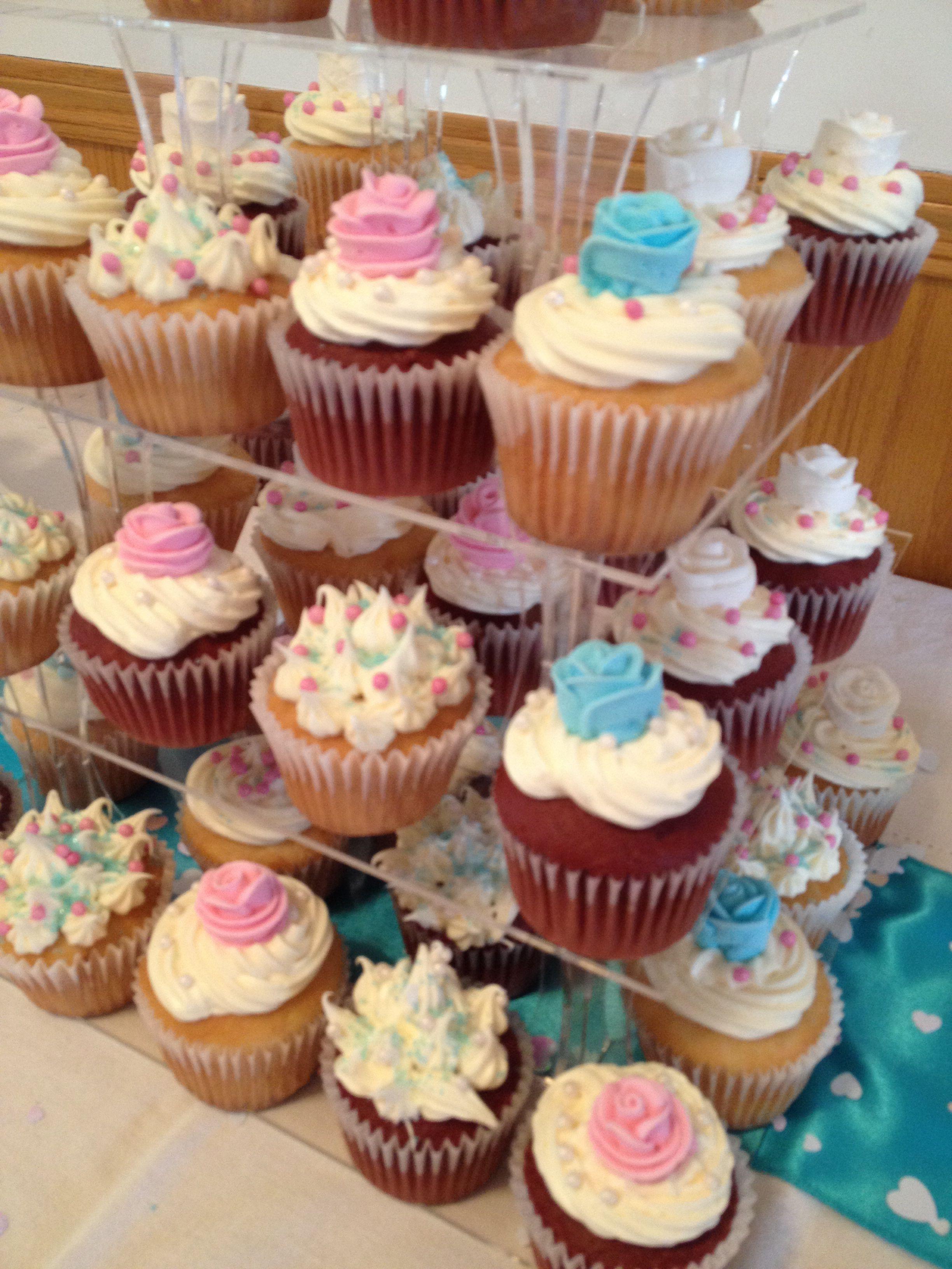 High tea cupcakes #turquoise #pink #white #hightea #cupcakes