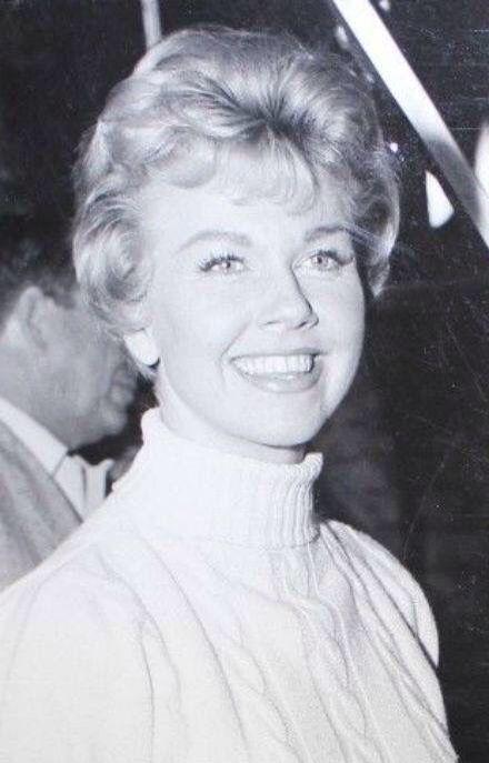 The Beautiful Doris Day Singer Dancer Great Actress Doris Day Movies Dory Movie Stars