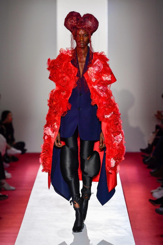 #CommesdesGarcons #PFW #ParisFashionWeek #Spring2020 #fashion #fashionrunway