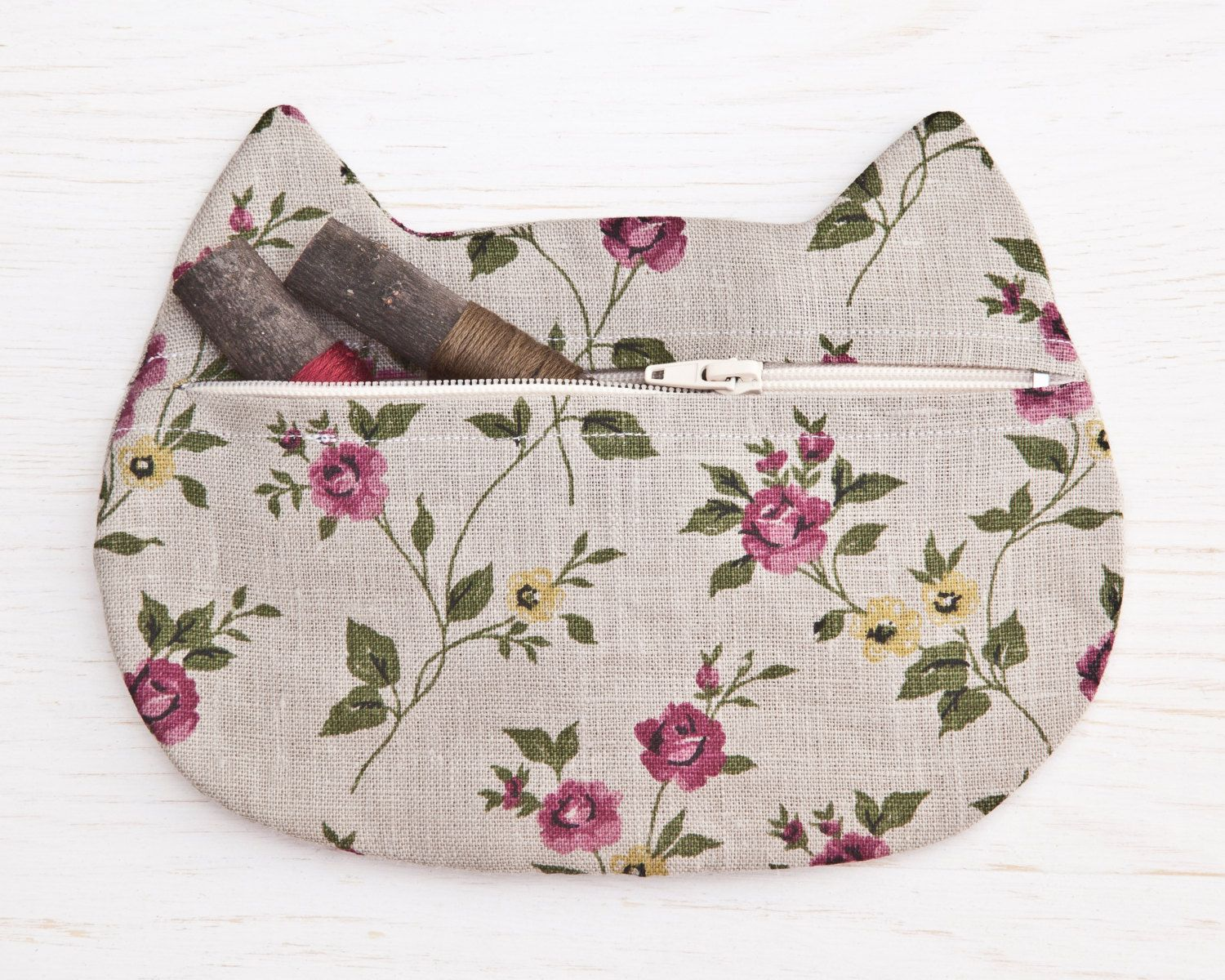 Gray Cosmetics Linen Makeup Bag flower cosmetic Cat (20.00 USD) by JuliaWine