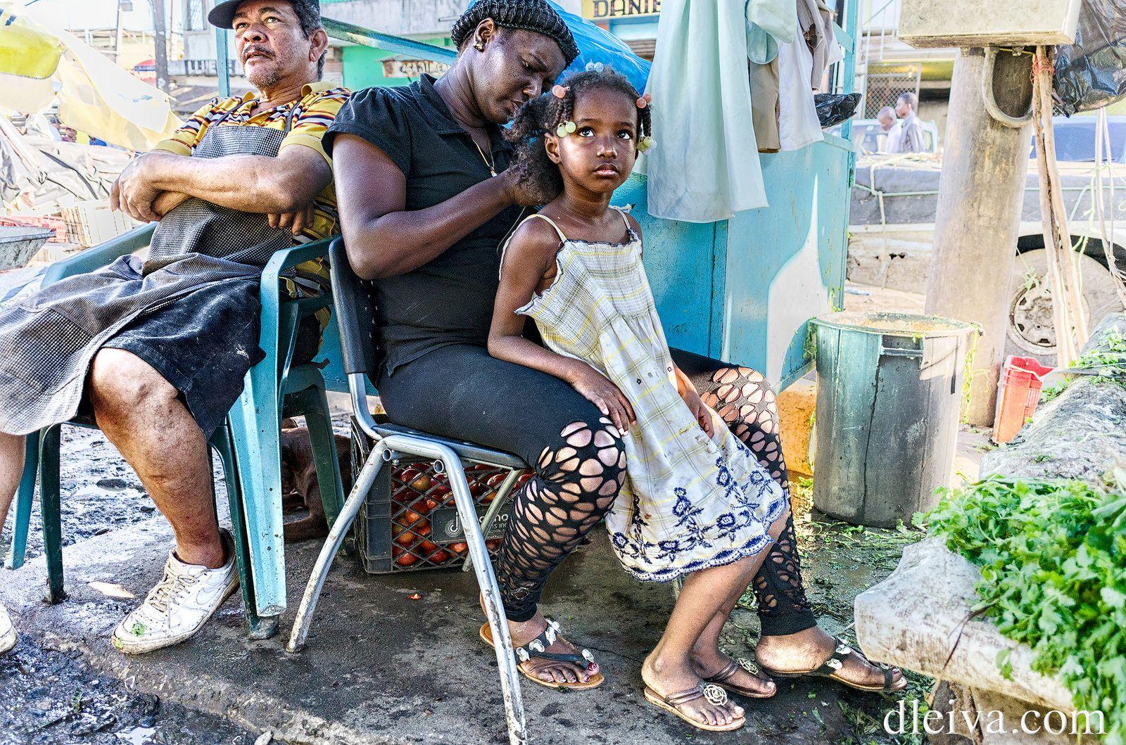 Por El Nuevo Mercado De La Avenida Duarte Santo Domingo Republica Dominicana Street Photography Photography Women