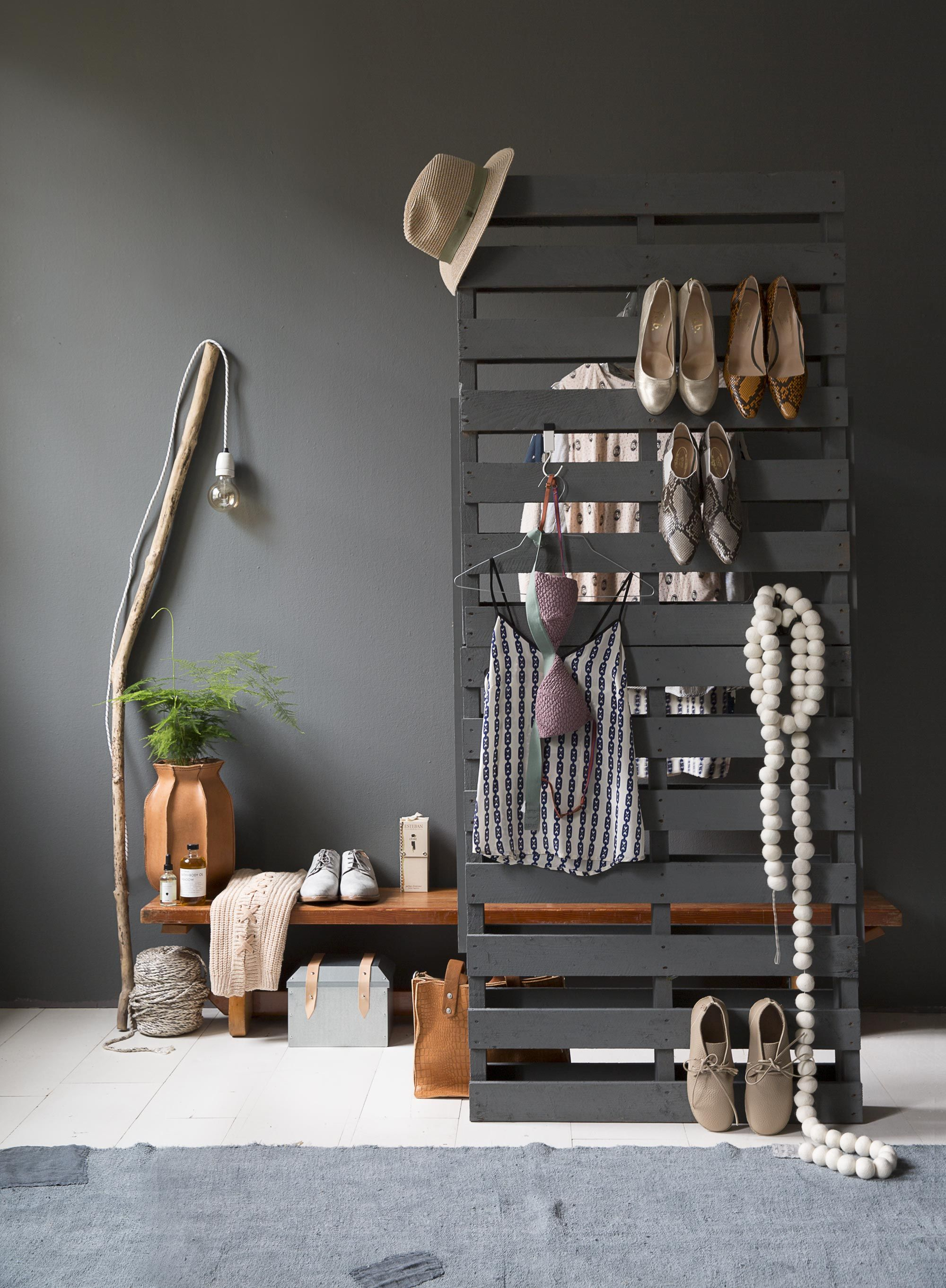 Pallet clothes rack i love it the colour and all craft and