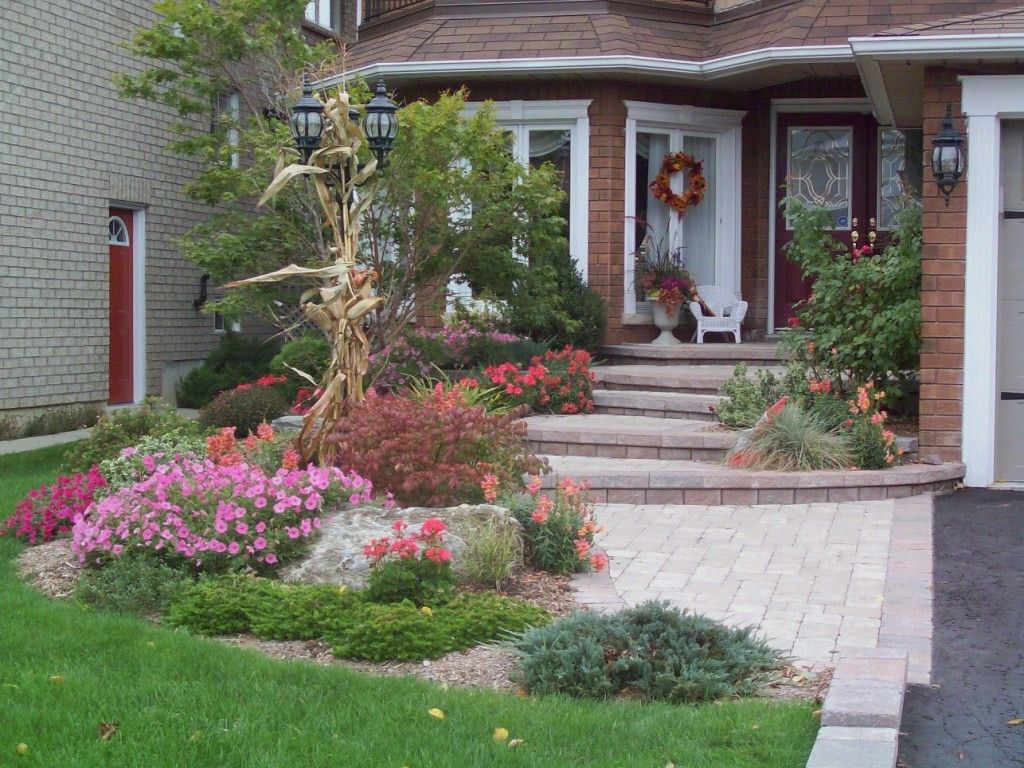 Pin by Kayla sue on Front yards | Front door landscaping ...