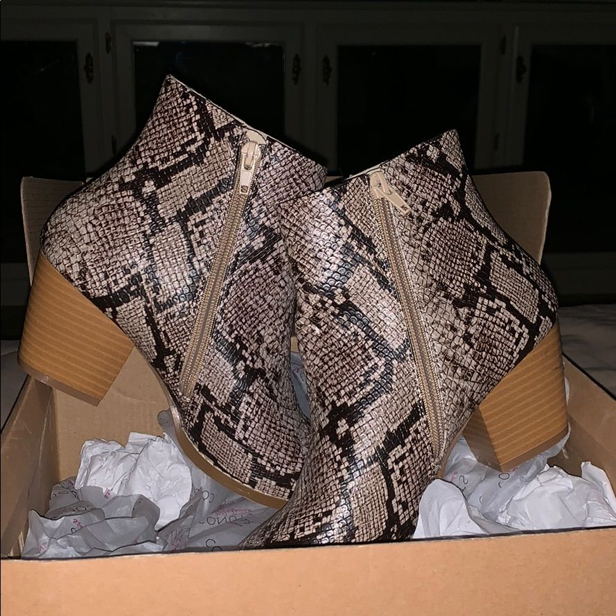 Free People Shoes Free People Snake Skin Shoes Color