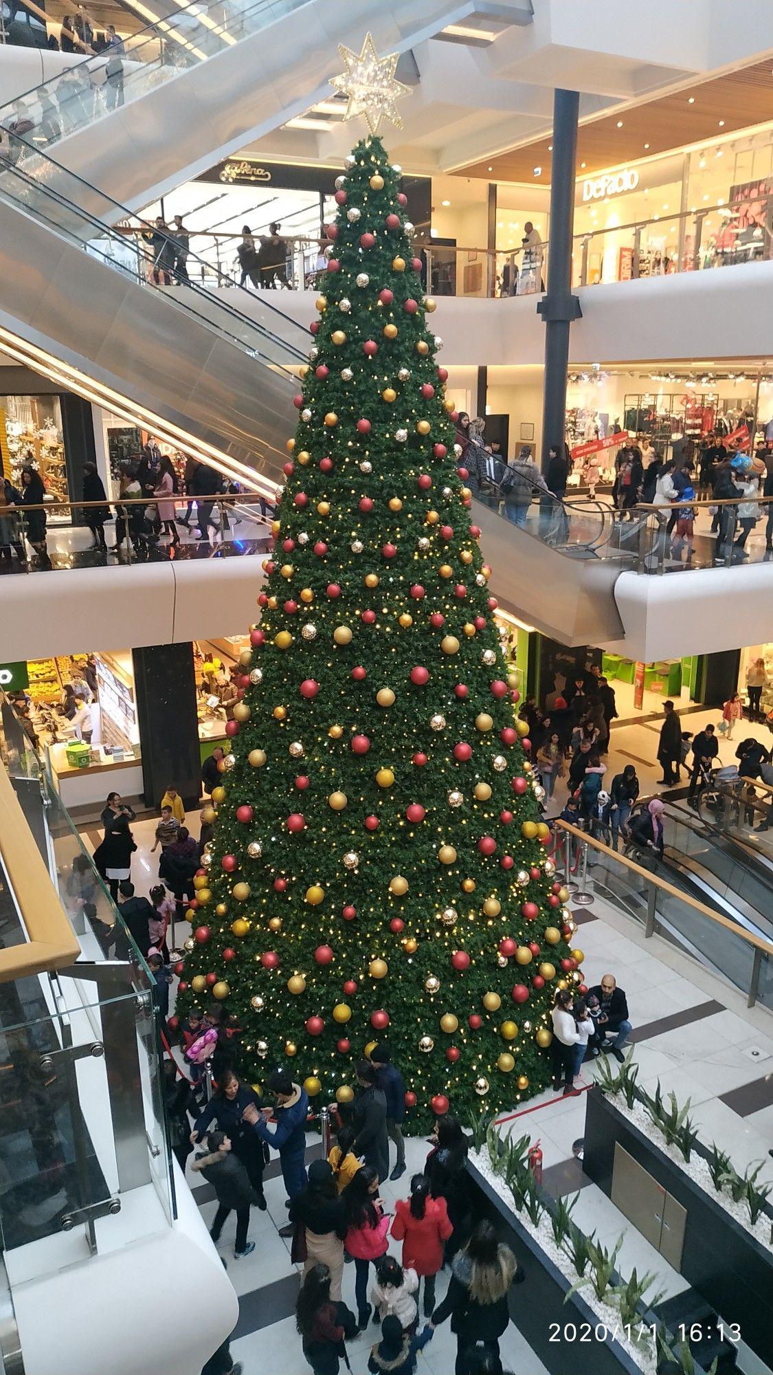 Gəncə Mall Holiday Decor Christmas Tree Decor