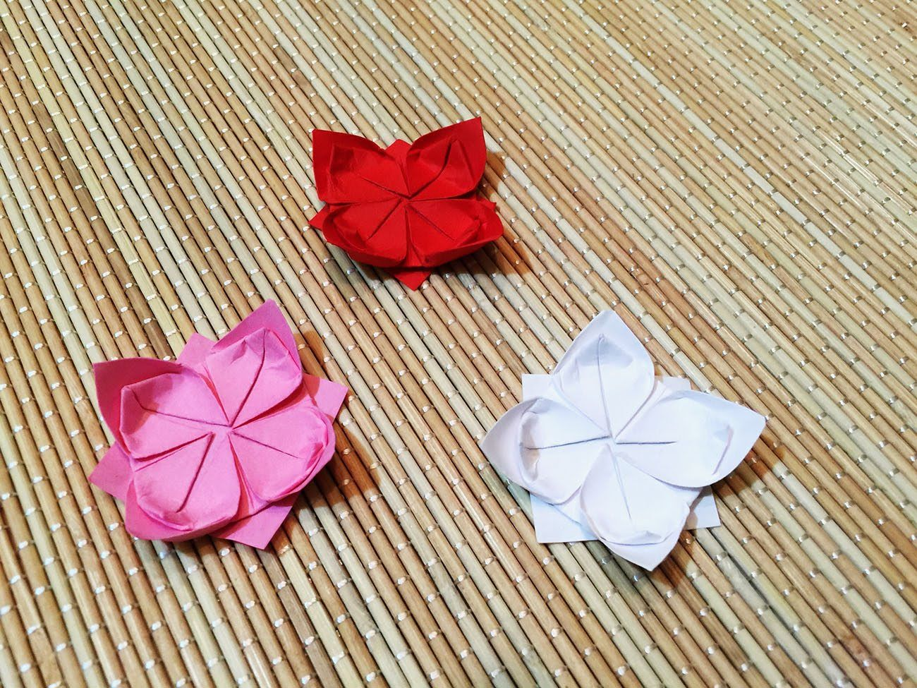 Origami lotus flower how to make a lotus flower origami origami lotus flower how to make a lotus flower izmirmasajfo Images