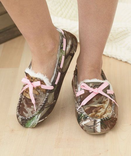74993ede5d1ae RealTree Slippers Women Northern Trail Pink Camo MOCCASINS #NorthernTrail # Slippers