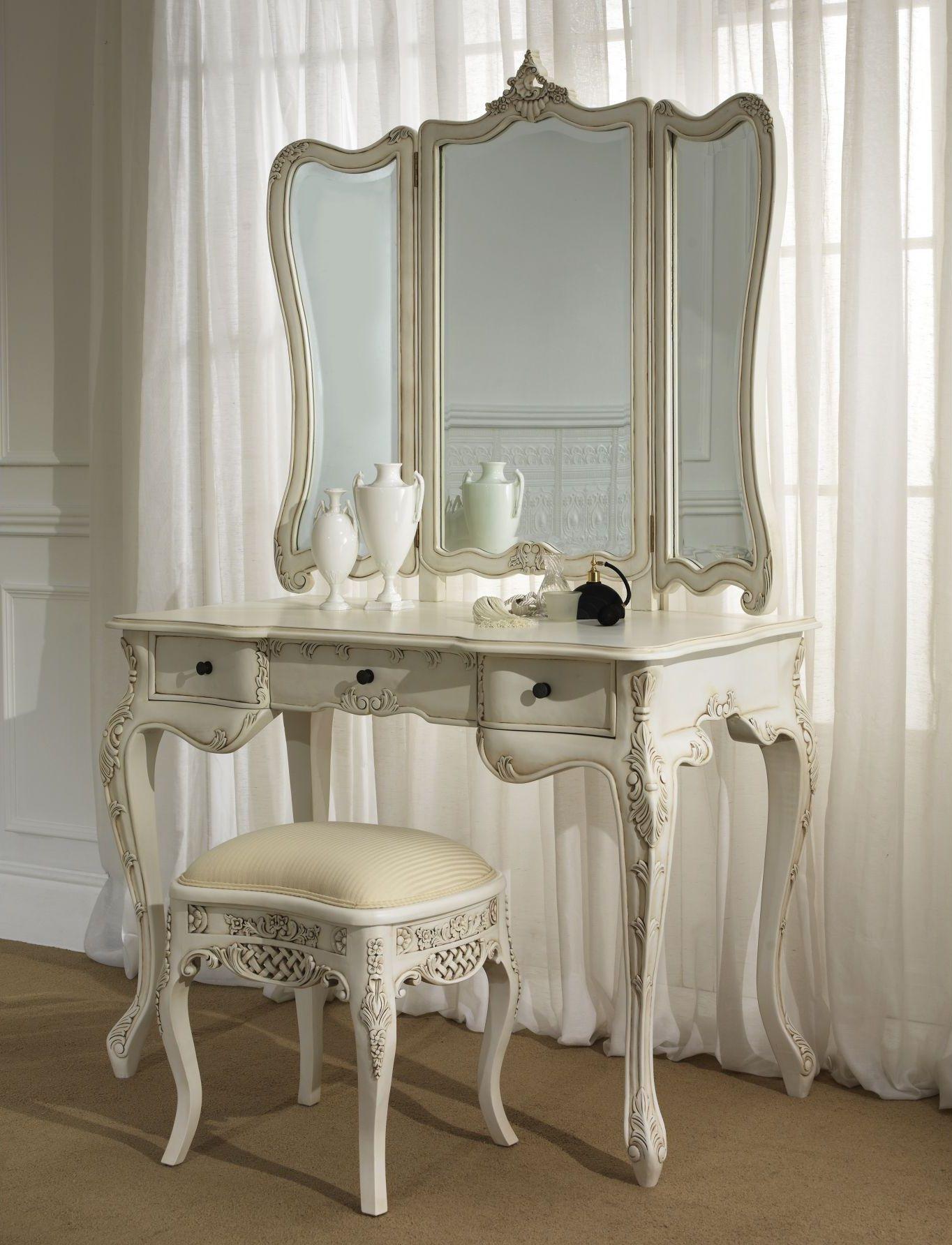 French provincial dressing table Vintage bedroom