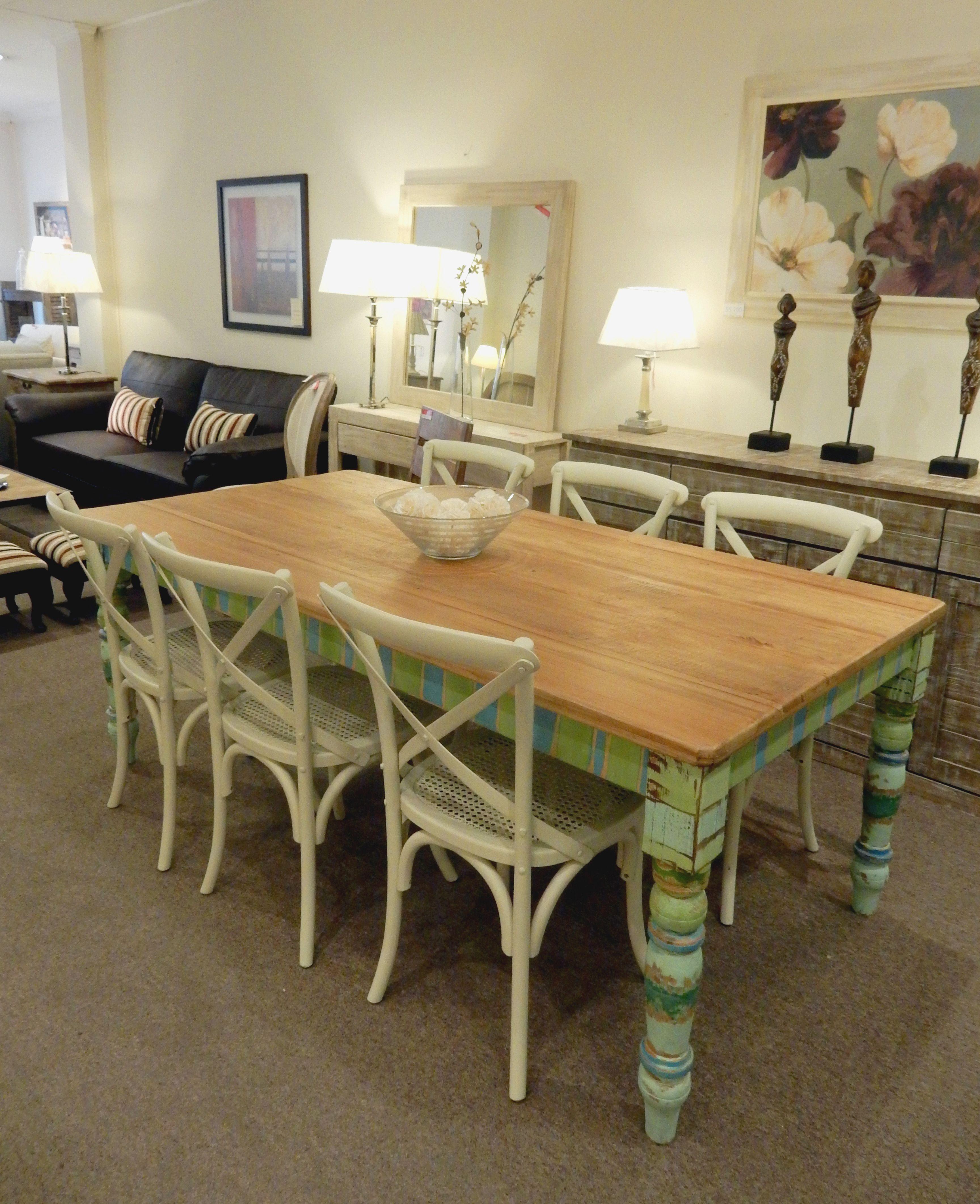 Mesa de comedor de estilo shabby chic muebles for Muebles estilo shabby chic
