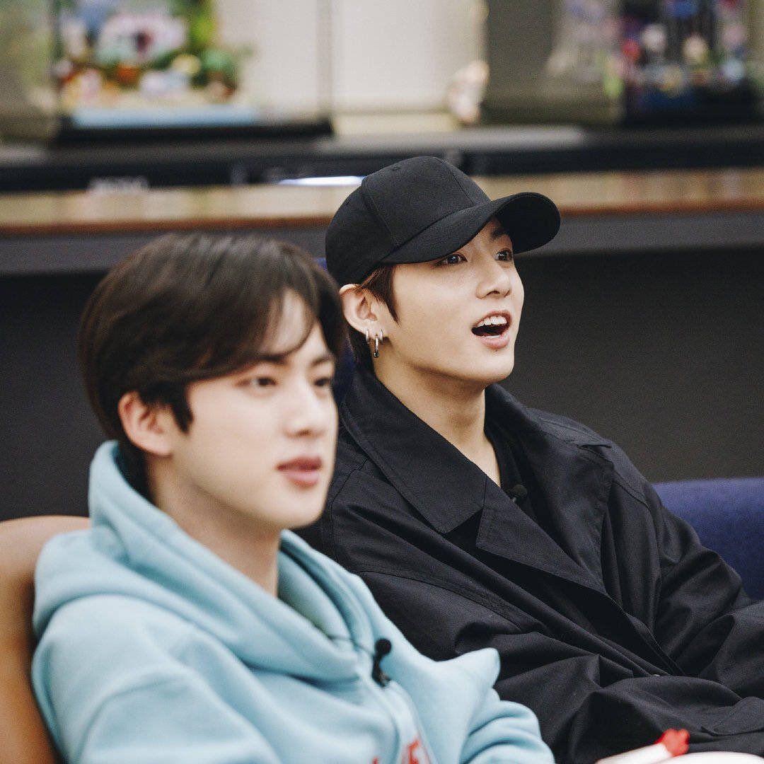 #selca #jungkook #jimin #taehyung #namjoon #jin #jhope #yoongi #bts #btsarmy #btswallpaper #btsphonecase #babyboy #boyfriend #boyhairstyles #jawline #sweater