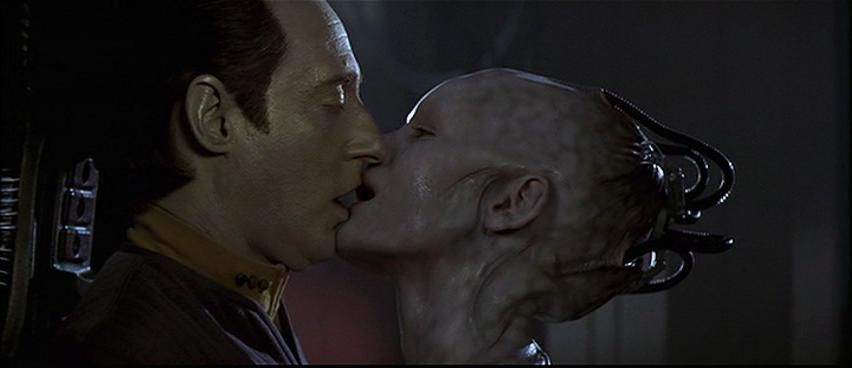 star_trek_data_kiss.jpg (852×368)