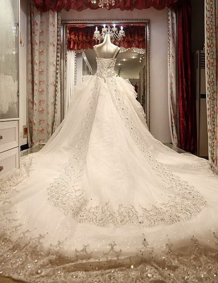 Hand-sewn Crystal Wedding Dress GHH-062 USD473.10 ~ USD802.07, Click photo to Learn how to buy, follow board for more inspiration