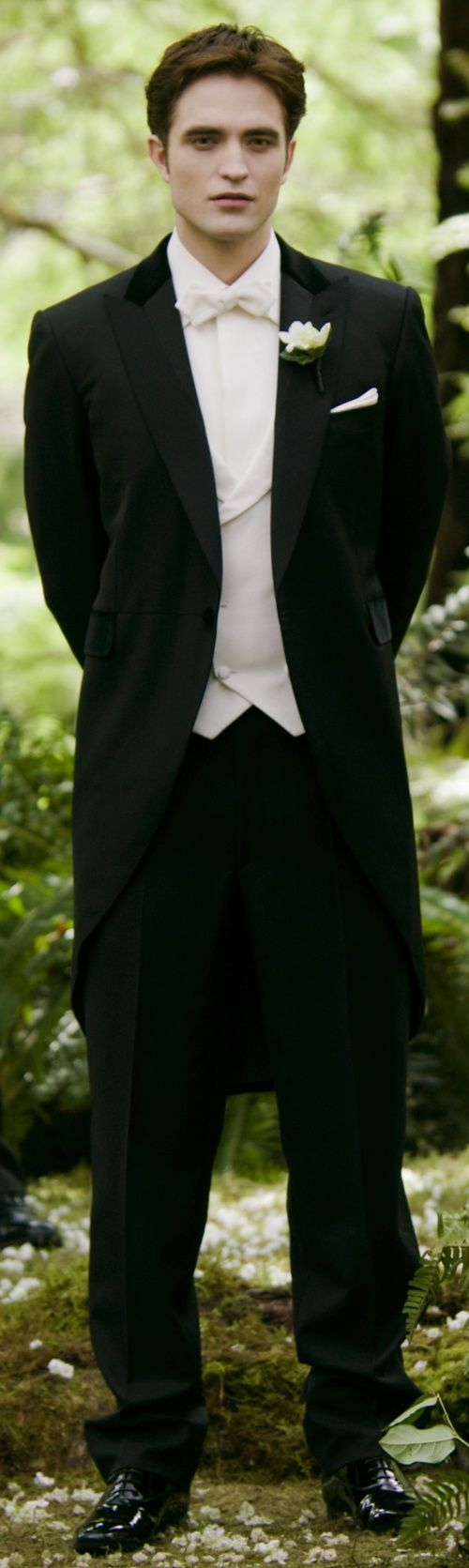 Edward Cullen wearing his wedding suit, Breaking Dawn Part 1