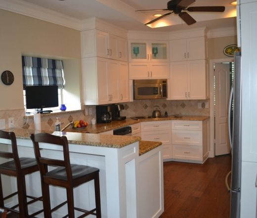 Kitchen Cabinets In Dallas: Traditional U-shaped Taupe Kitchen, White Cabinets