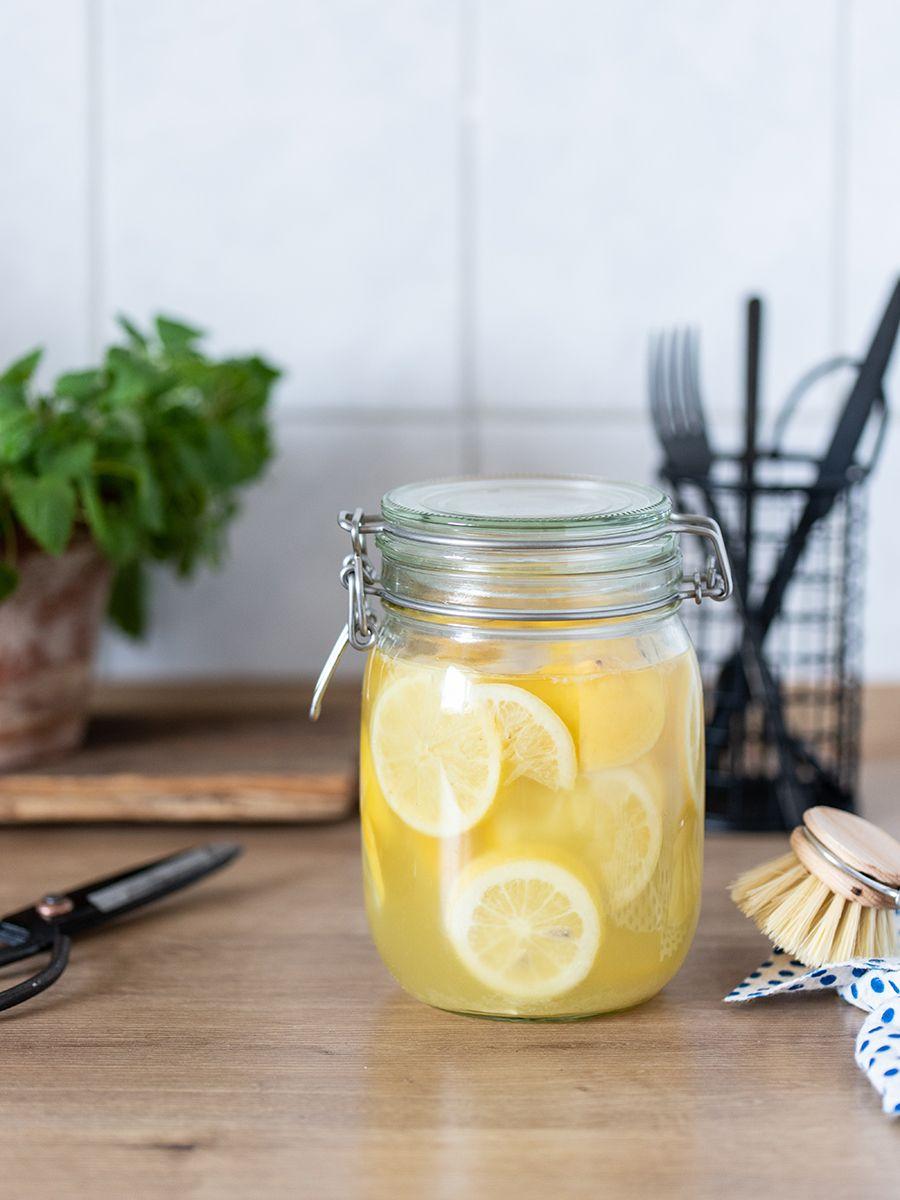 DIY: Zitronen-Essigreiniger ganz einfach selber machen