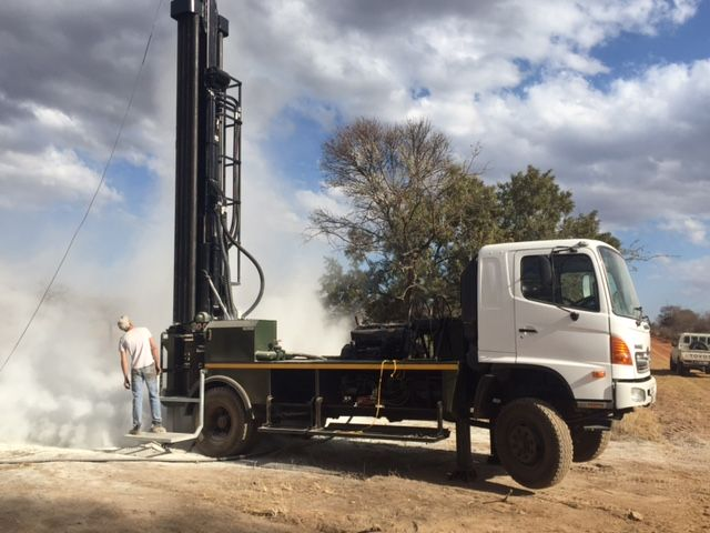 Vertex Drilling Machine Manufacturer In South Africa Limpopo Province New Or Used Drill Rigs And Compressors For Sale Drilling Rig Drill Drilling Machine