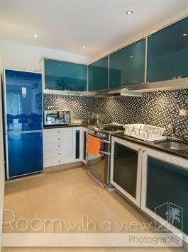 For Sale: 2-bedroom vacation rental condo in Downtown Playa del Carmen $220kvvvv