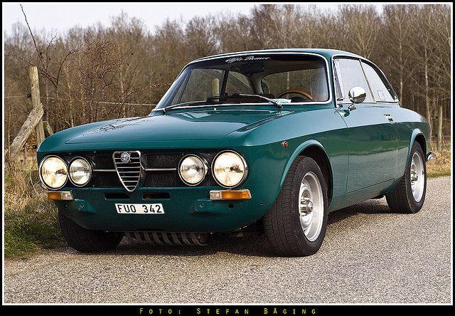Alfa Romeo 1750 Gtv 1970 A Photo On Flickriver Alfa Romeo Alfa Romeo 1750 Alfa Romeo Cars