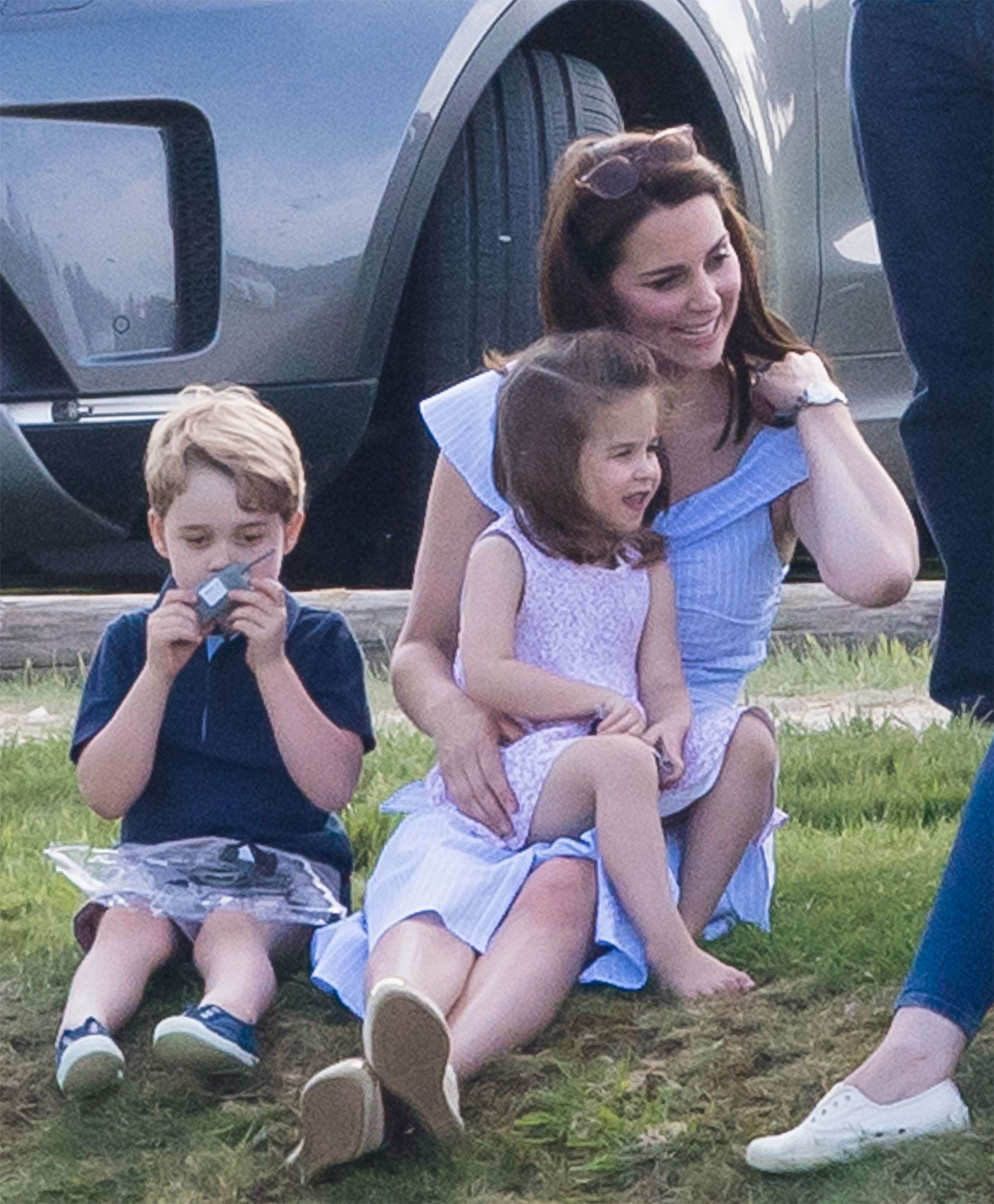 fd2fb510ea0 Kate Middleton Shares Prince George and Princess Charlotte s Favorite Foods  – and How They Help Cook!