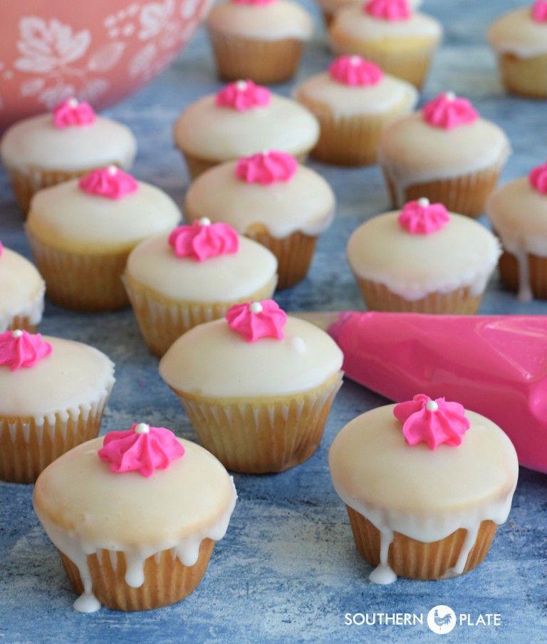 Katy's Petite Cakes ~ http://www.southernplate.com