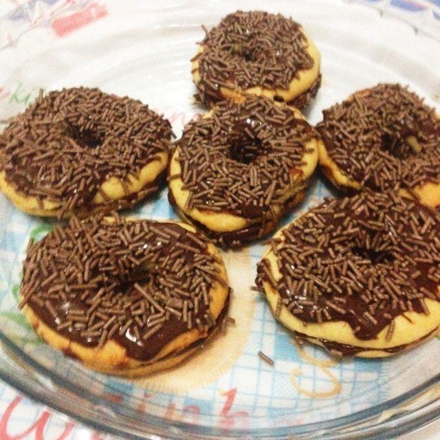 Receita de Donuts recheados. Enviada por Rosana e demora apenas 30 minutos.
