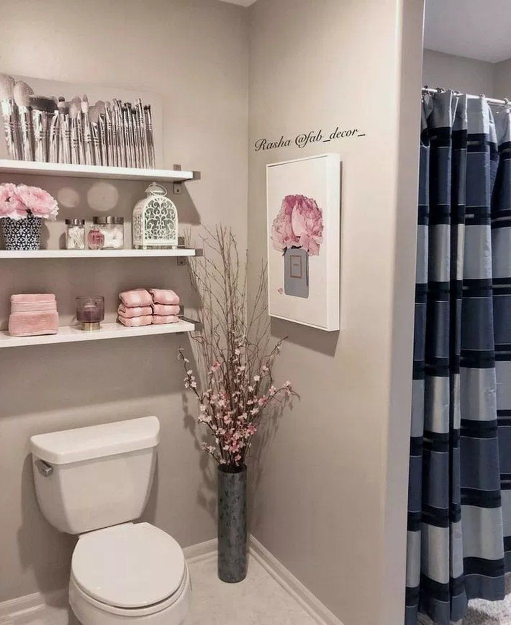 30 Awesome Diy Bathroom Storage Ideas For Solutions Many People Struggle With The Little Storage Space In 2020 Bathroom Decor Apartment Restroom Decor Bathroom Decor